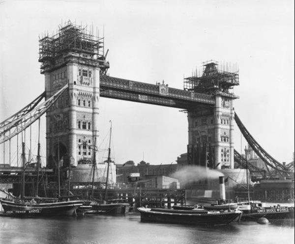 Yamaro y las construcciones históricas: El Tower Bridge de Londres