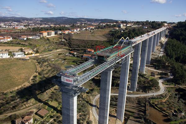 Armando Iachini Los puentes materiales ideales para su elaboración - Los puentes: materiales ideales para su elaboración