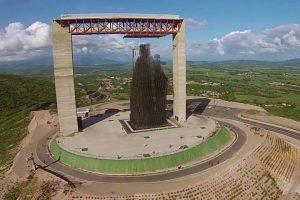 Armando Iachini Divina Pastora Monumento Manto de Maria visita 164 2020 300x200 1 - Construcciones Yamaro: Conoce la historia de la peregrinación de la Divina Pastora